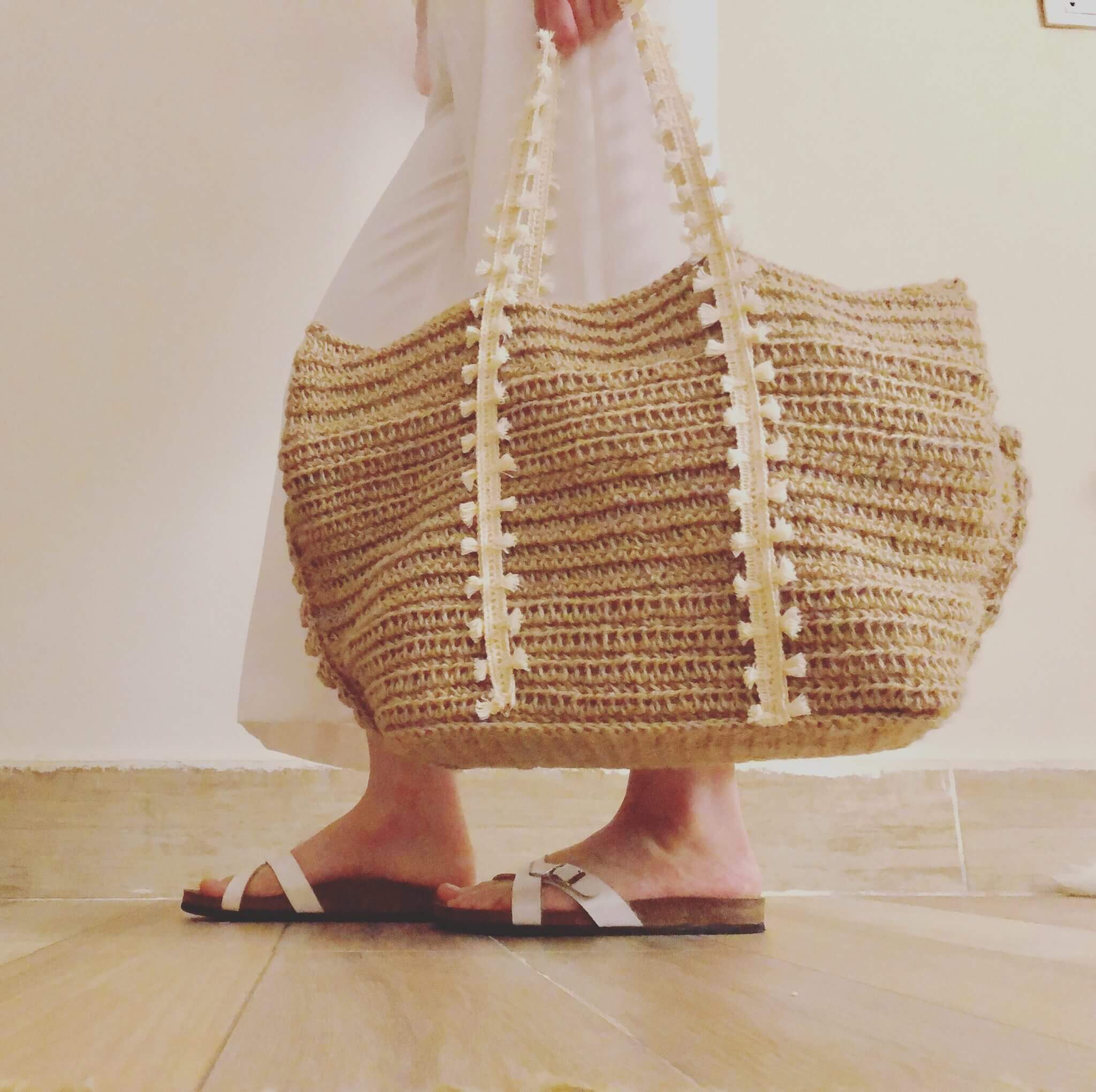 Crochet Beach Bag- Free pattern and Photo tutorial